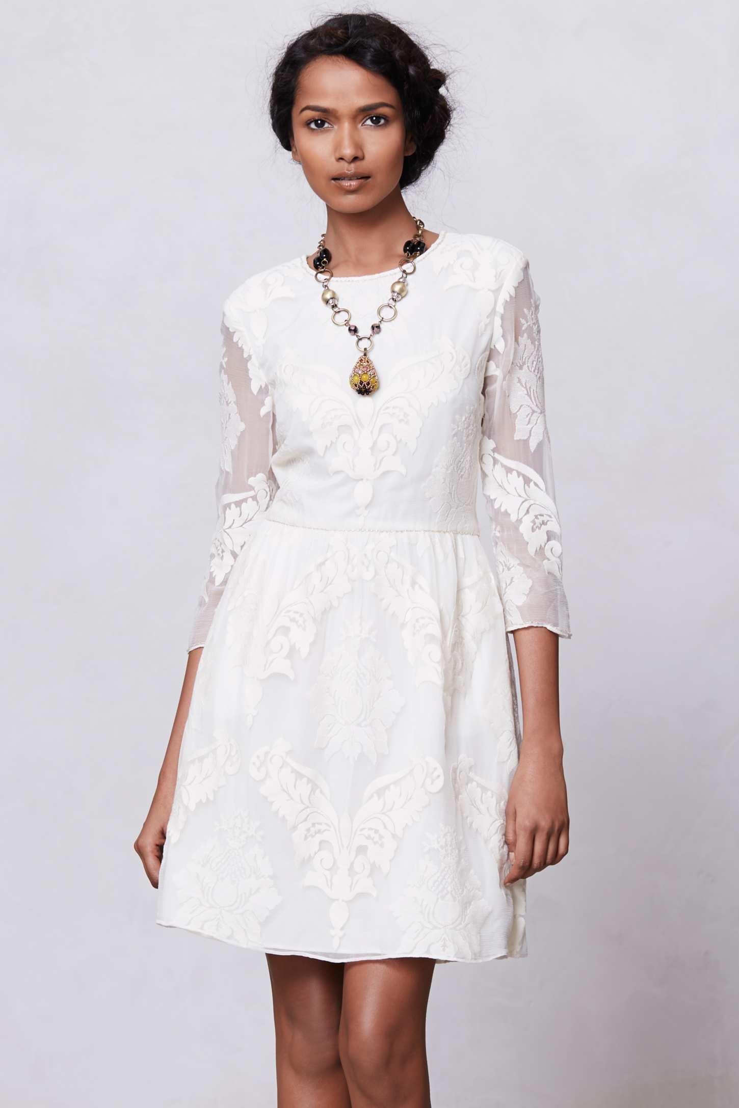 2b246622aa9a La robe du dimanche  petite robe blanche et dentelle - Happy Chantilly