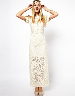 e7428af7ea4 La robe du dimanche  robe blanche longue en dentelle - Happy Chantilly